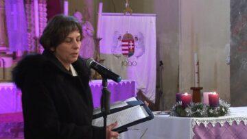 Advent 2. vasárnapja – Pázmándon – Az iskolások betlehemezése – 2017.