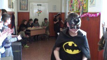 Iskolai farsang Pázmándon – Jelmezes felvonulás